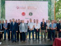 Zdjęcie przedstawiające ludzi na konferencji