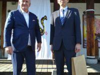 Zdjęcie przedstawiające prezesa UPEMI oraz innego mężczyznę