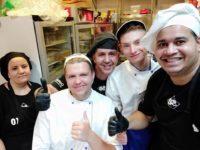 Zdjęcie przedstawiające kucharzy